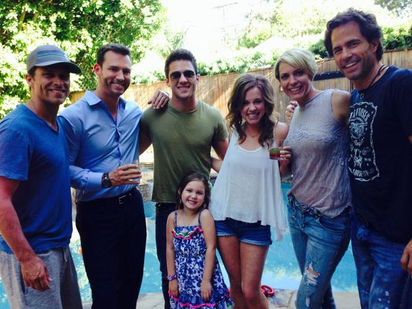 Enjoyed having you over cocktails and conversation. @Ari_Zucker @mollydollyy @1CaseyMoss @ericmartsolf @greg_vaughan http://t.co/uqCZWY4YJs