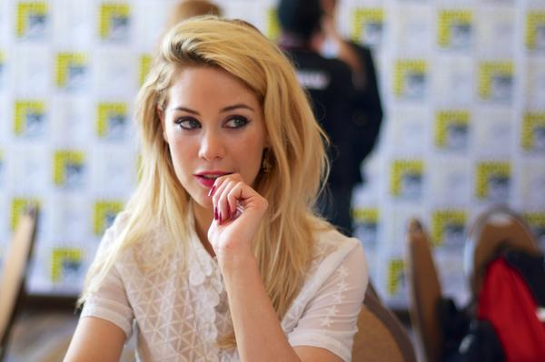 .@Roxanne_Mckee was amazing to chat with. Best of luck with #DominionSDCC http://t.co/pOhLjwNRqR