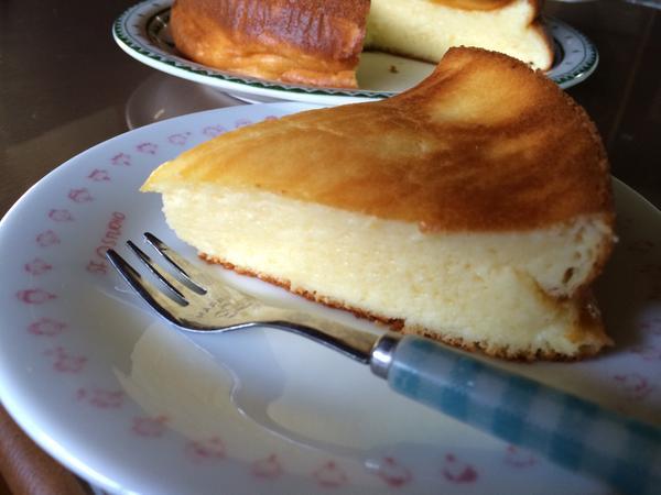5thライブ1日目が当たったのが嬉しくて、勢いでことりちゃんが大好きなチーズケーキ焼いちゃいました!ことりちゃん大好き☆ #lovelive http://t.co/8bXLfquvfo