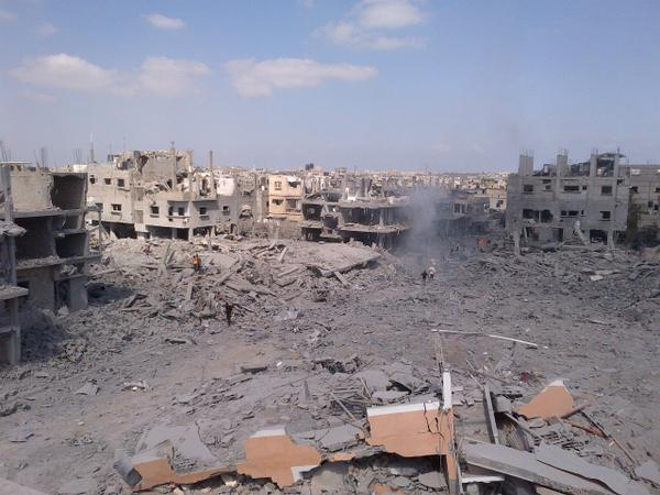 Whole neighborhood leveled by shells and bombs in N. #Gaza http://t.co/LTAH7Qvcal