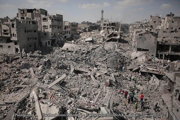 #الشجاعية اليوم، كما #حمص بالأمس، أمة واحدة تسعى للحرية ورفع الظلم، وعدو بأوجه مختلفة يزيد في الطغيان. http://t.co/BrdAsJoEcK