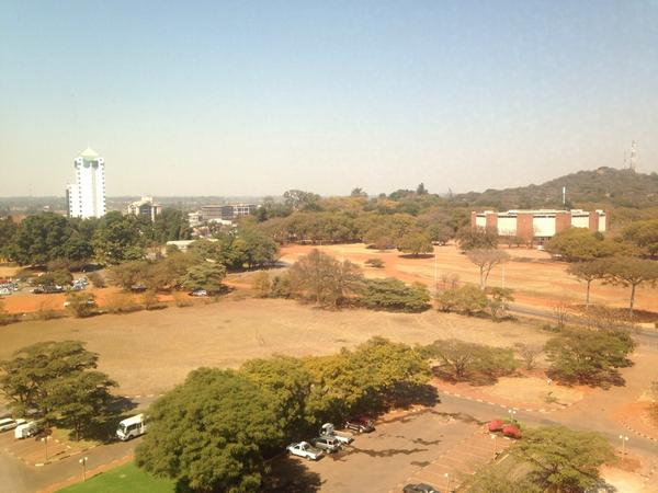 Clack from my window here in Harare Zimbabwe http://t.co/Um3vCsmJtI