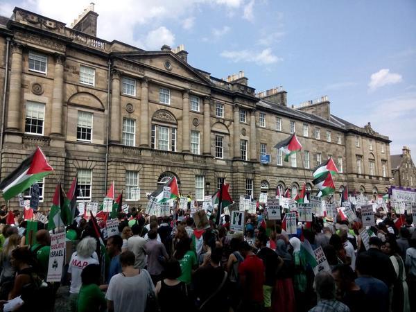 """@FurcoatNaeNicks: @Farah_Gazan from Edinburgh this afternoon #ScotlandWithGaza http://t.co/n9bdpnQhyF"""