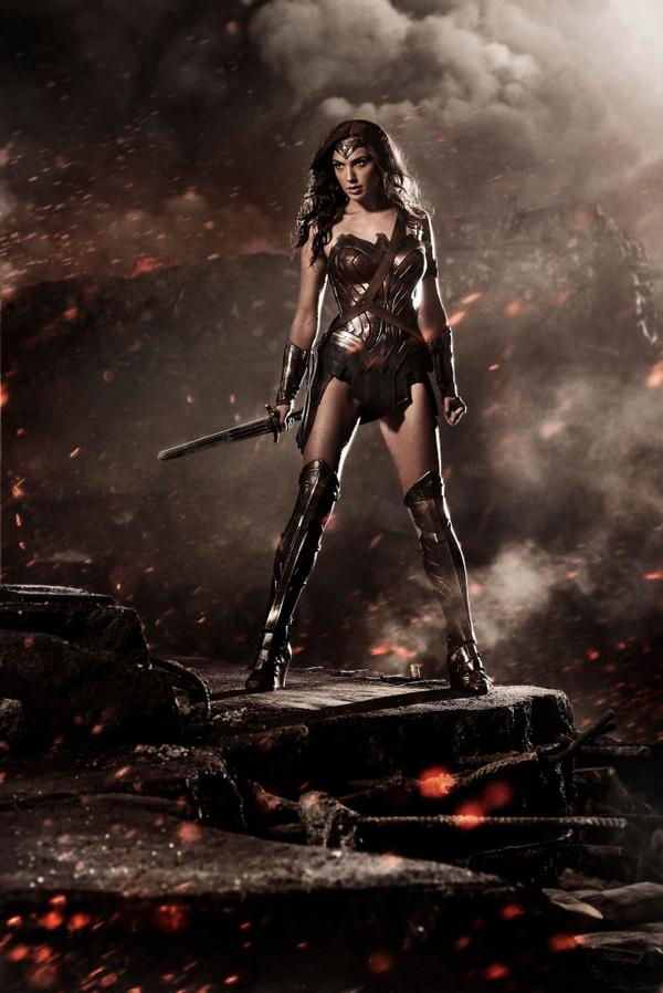 OK @IMDb... I like @GalGadot as Wonder Woman in 'Batman v Superman: Dawn of Justice' - #SDCC: http://t.co/MMnNo9BYP8 http://t.co/cwTdZ1AeKr