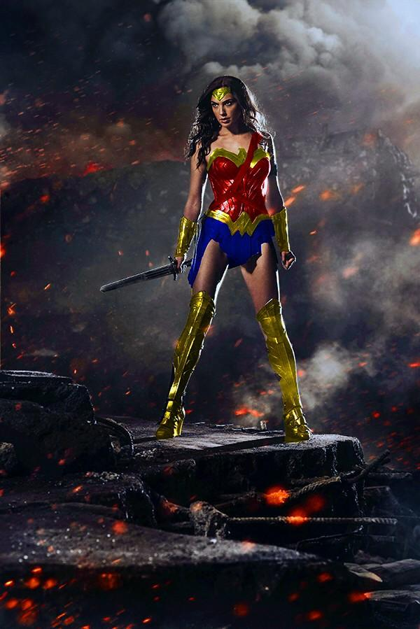 coloured-armour Wonder Woman is superior http://t.co/nJdjw3fgpT