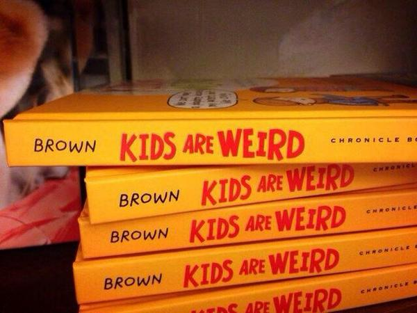 #designfail @ChronicleBooks MT @MarksLarks: Personally, I'd have put the authors name elsewhere on the spine http://t.co/7YRw9vuerd