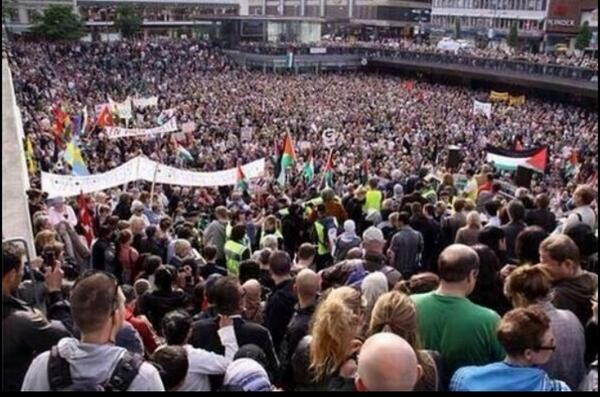 Massive demonstrations world wide. This is Sweden. #StandWithPalestine. http://t.co/E9DyHwSR21