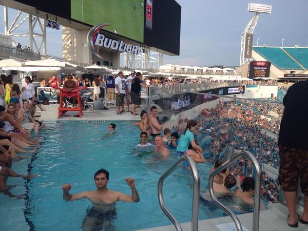 jaguar swimming pool - photo #8