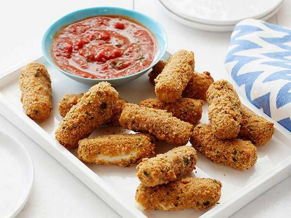 Food Network On Twitter These Mozzarella Sticks Are Crispy Ooey