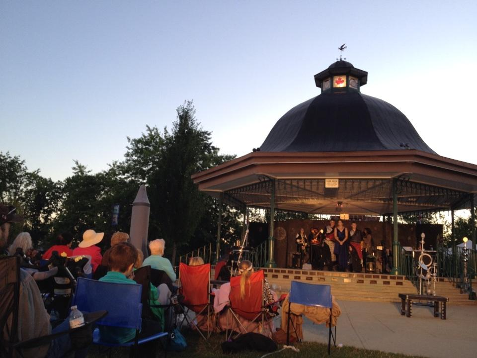 Twitter / vicki_mcleod: Bard on the Bandstand #mapleridge ...