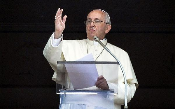 'Please stop! I ask you with all my heart.' Pope makes emotional plea against war http://t.co/jgwOE3TouN (AFP/Getty) http://t.co/hshZCrbJGO