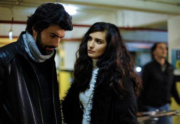 Грязные деньги и любовь / Kara Para Aşk (2014, Турция) - Страница 19 BtjjqiCCYAAD3ps