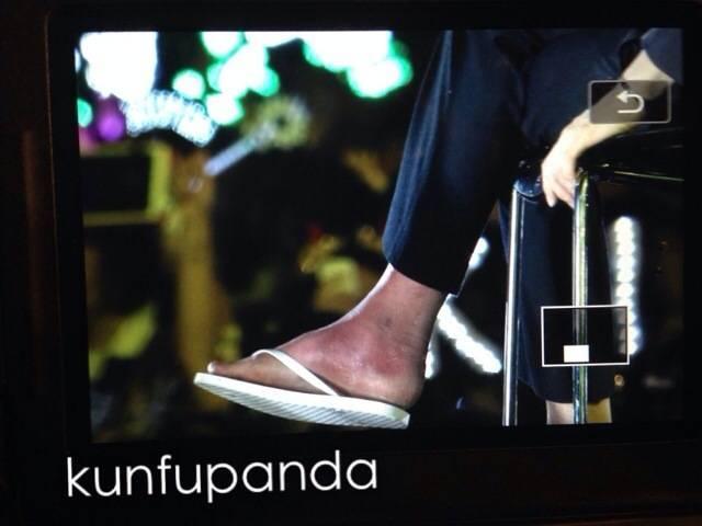 How Tao's foot got hurt + Lay, Luhan - Random - OneHallyu
