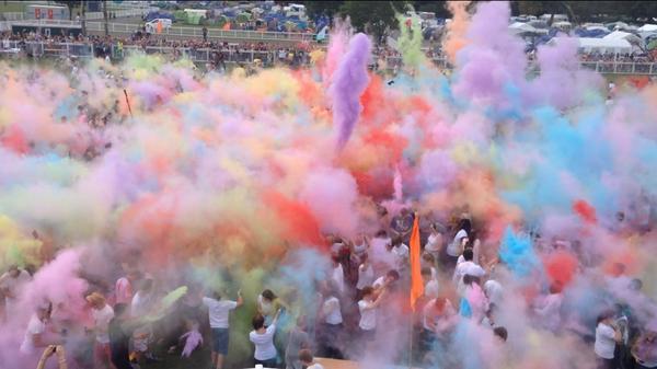 The moment Colour Chaos began @SoulSurvivorGB - totally mental!! http://t.co/kTdKPUpnhA