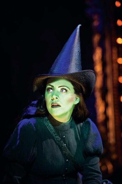 So today's the day I leave Wicked (again!) I want to dedicate today to 4 amazing women, I love you all xxxx http://t.co/OszoI9F2kX