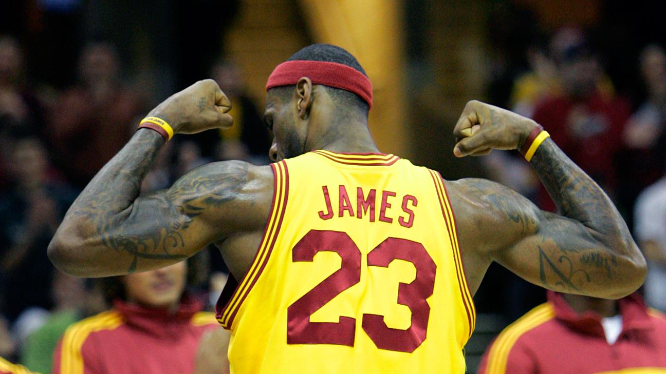 RT @ESPNNBA: The Return Continues: @KingJames announces he'll wear #23 with the @cavs.   http://t.co/GSLvytZPyh http://t.co/XkrFCjRX4Q