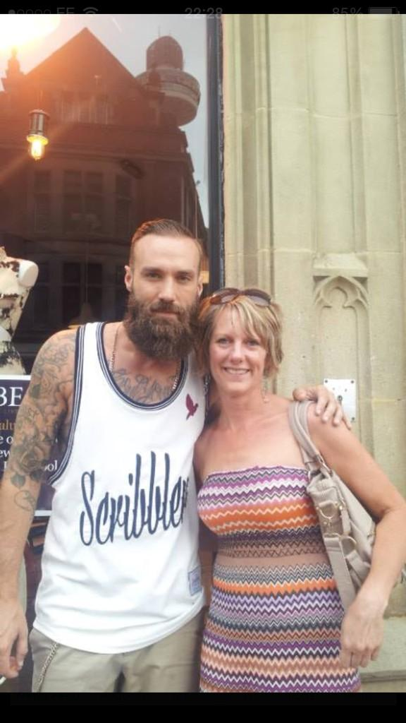 RT @TheReal_Mark: @CalumBest I think you may have just made my buddy Louise's day http://t.co/rKd9d4nhJM