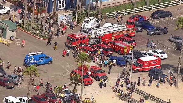 PHOTO  Emergency personnel  seen from AIR7 HD  respond to Venice Beach  after lightningDeadly lightning strikes at Venice beach  Images capture aftermath  . Old Lightning Venice Ca. Home Design Ideas