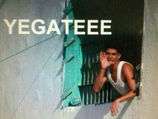 -YEGATE PERROOO -¿A donde?  -Pa' Miraflores mawueo #ChavezPartyNight http://t.co/pEiOVcuSBY