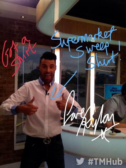 RT @itvthismorning: #TMHub with @rylan, Managed to get a shirt in time! X http://t.co/rFIug78OeU