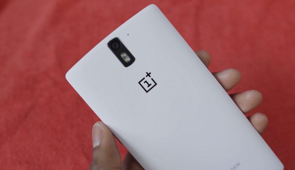 I'm giving out 100 64GB @OnePlus One invites to people who retweet this tweet over the next 24 hours. Good luck! http://t.co/hHaSzdWeSM