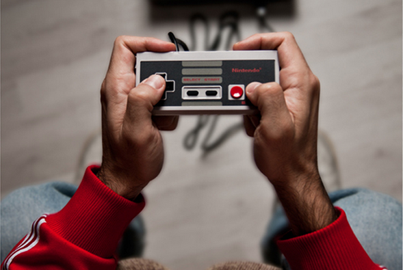 .@conectica: Historia de #videojuegos a través de #controles http://t.co/NpxZQYgNzy http://t.co/Qg8q9GFOaS /cc @OphCourse @wera_supernova
