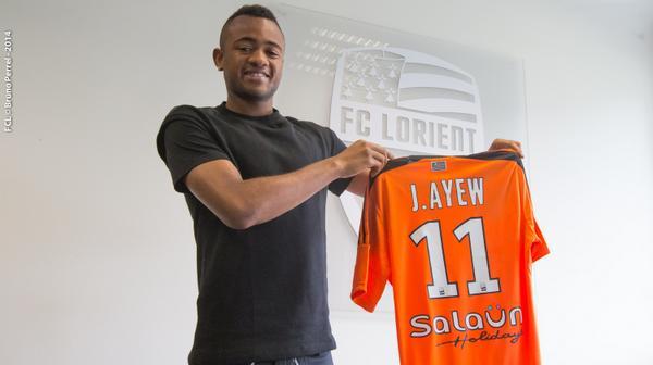 J. Ayew signe à Lorient