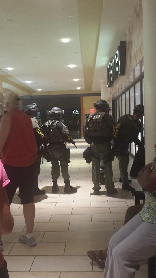 Just got these pics from a friend who works at JCPennu inside Northwoods Mall #chsnews http://t.co/baaLym9lgQ