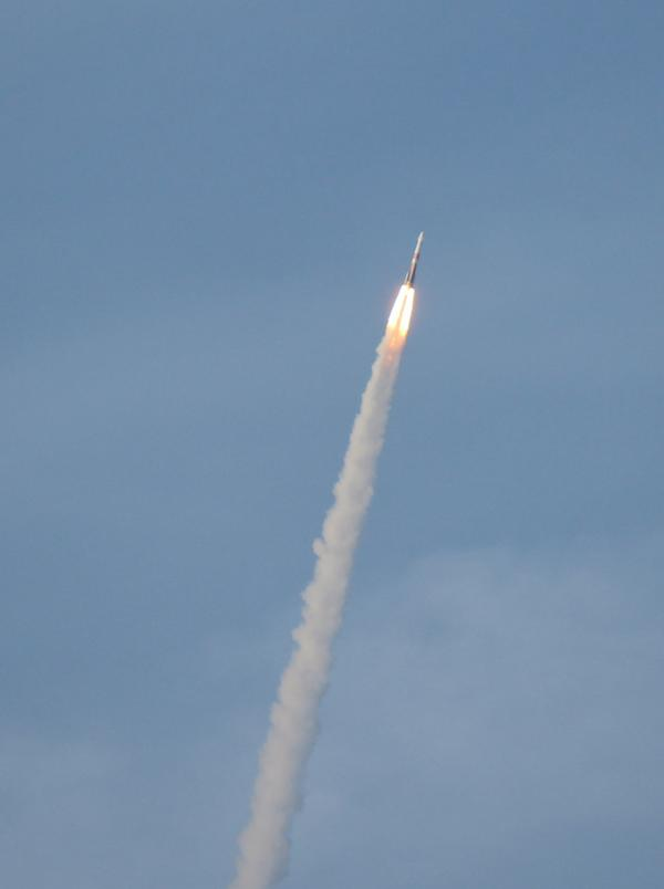 The #AFSPC4 #DeltaIV launch from the observation deck at home: http://t.co/b565U1w4eh
