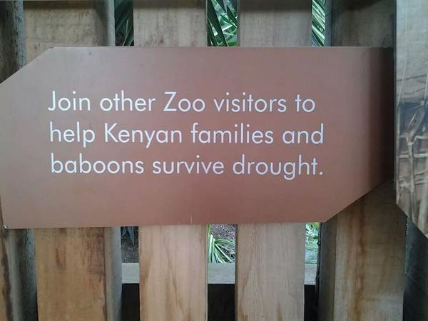 """@ngunjiriwambugu:Rt@: ""@OliverMathenge: RT @brendamulinya: Spotted in a zoo in Melbourne http://t.co/ubNekViaVT"" #someonetellaustralians..."