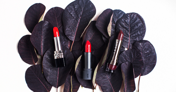 RT @AOL: Happy #NationalLipstickDay! Here are the 5 most classic shades that every woman should own: http://t.co/18Fd2qeeFp http://t.co/a97…