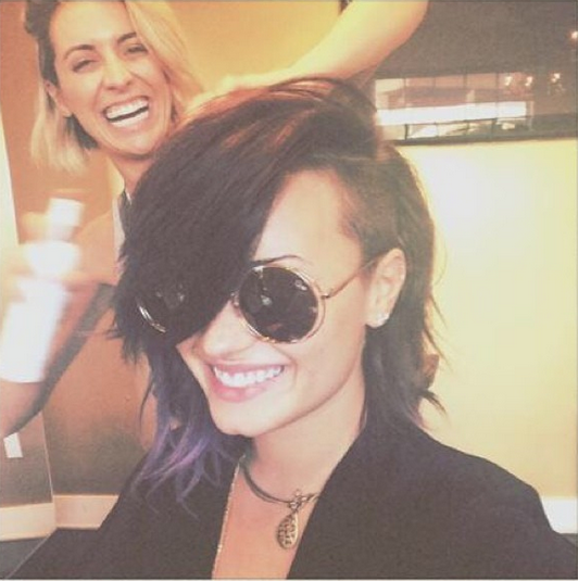 Check out @DDLovato's even shorter new haircut!: http://t.co/Jkr04L4Zot http://t.co/xw13K6NhIl