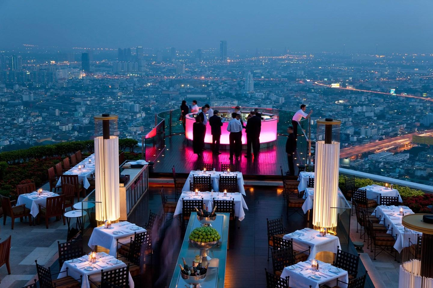 The 7 BEST rooftop bars in the world. If you don't like heights, look away now... http://t.co/vE0DuOyohg http://t.co/HuEUjBy0GY