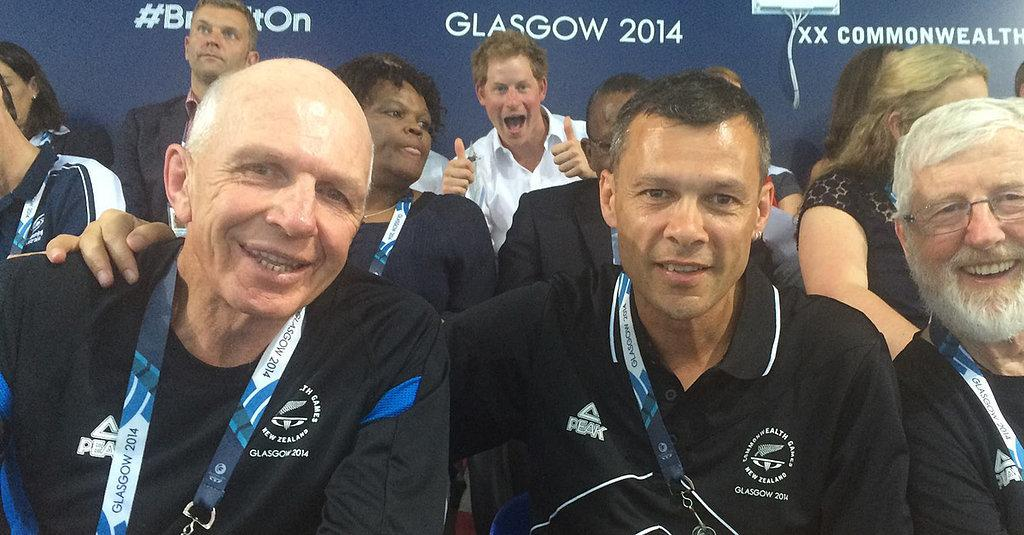 RT @POPSUGAR: #PrinceHarry officially outdoes the queen with this epic photobomb: http://t.co/sfS1hsVQW8 http://t.co/tTp07fBowC