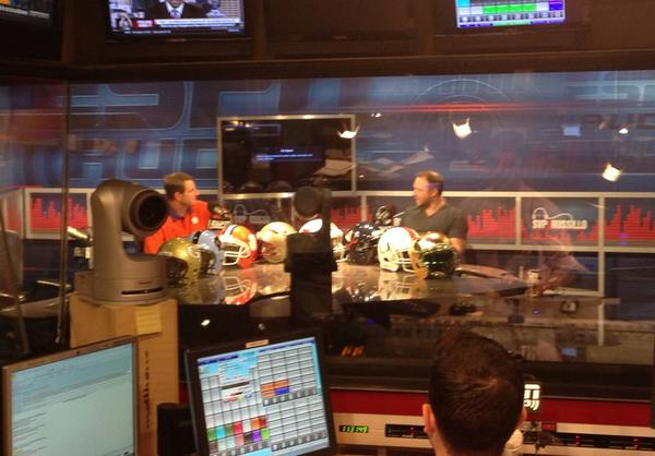 Coach Swinney taping segment with @SVPandRussillo. Plans to air around 1:30 this afternoon. #ESPNACC http://t.co/qnNFfl4dSH