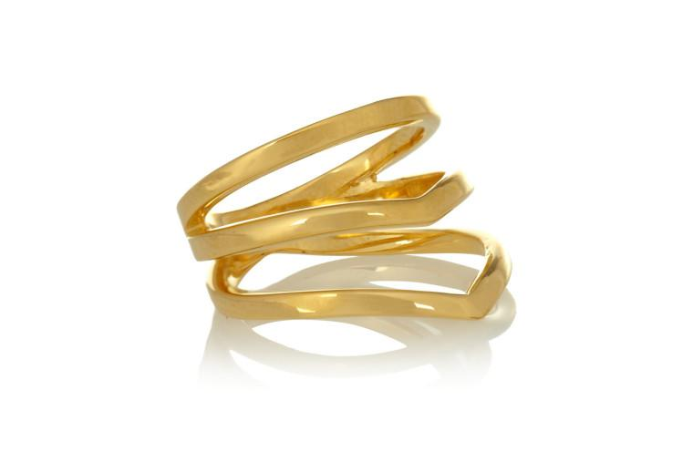 This mini gold knuckle ring has major style: http://t.co/DJl9VsUSQk http://t.co/ho8vVTLH1p