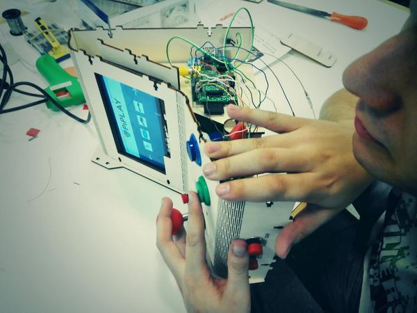 Terminando las MAME hechas con @Raspberry_Pi @interzonasinfo http://t.co/vG4XnaXJZj
