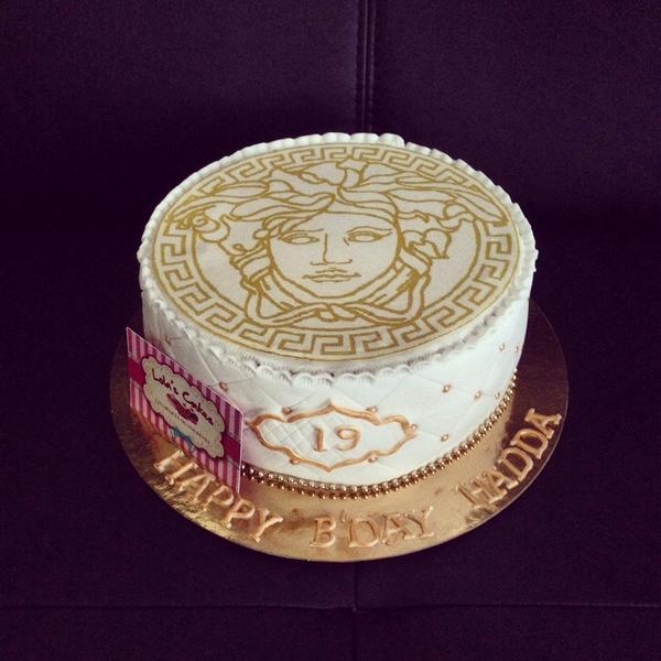 Lolas Cakes On Twitter Versace Versacecake Lolascakes Cakes