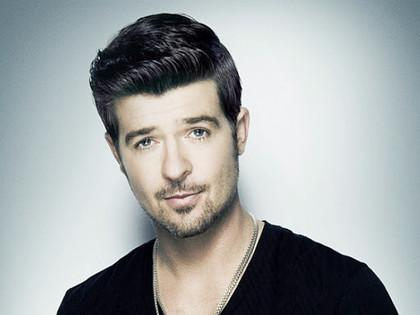 Come out & meet my guy @robinthicke next week! Bid now for my @rush_art #ArtForLife http://t.co/Us7IgeWWRD! http://t.co/Zga3YvgazS
