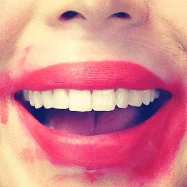 HAPPY NATIONAL LIPSTICK-DAY, EVERYONE! 😃 http://t.co/jVS3z9tvHu