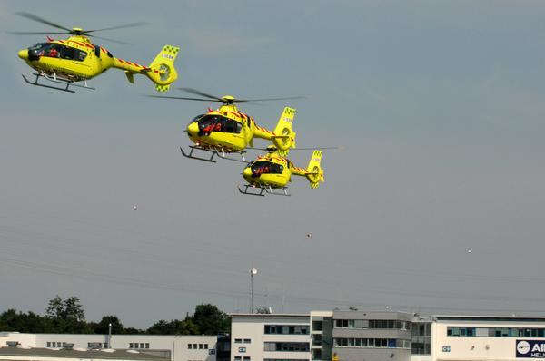 Denne uka henter vi tre EC135 som skal inn i tjeneste i Danmark.  Testflight i går. Vakkert syn hva? http://t.co/CvTzcVMgea