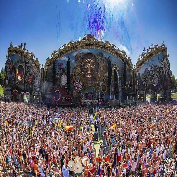 Tomorrow Land. EDM is a Disney/Christian conspiracy! Play this and drink some green tea! https://t.co/VJYANu85jZ http://t.co/qwX0o4Ujou