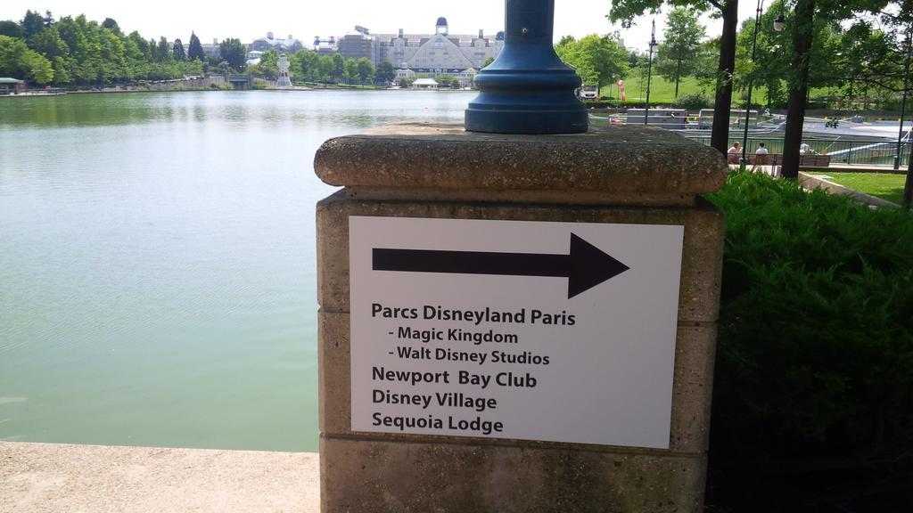 Collection des bourdes de Disneyland Paris - Page 24 Btyji3EIQAA-JC5