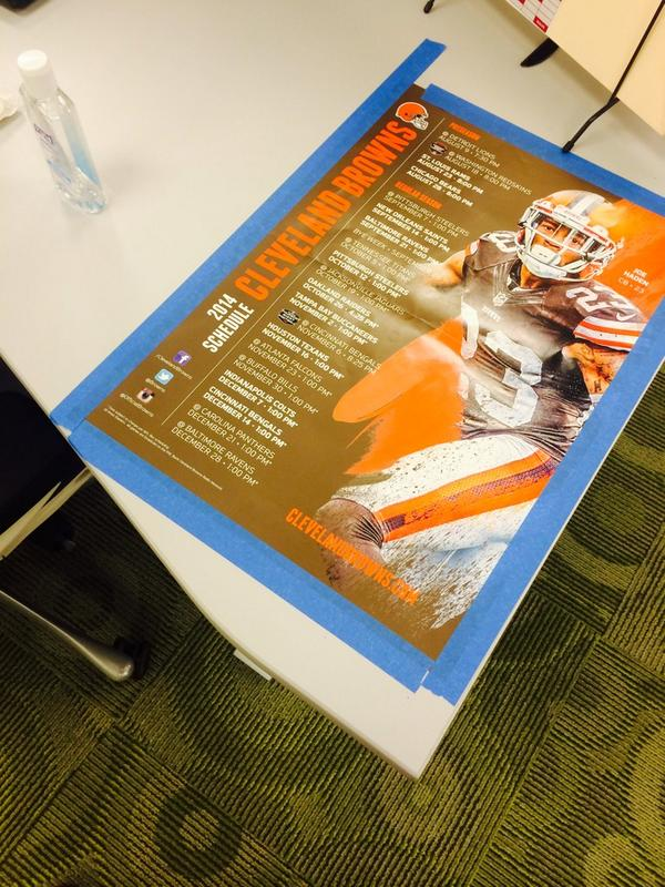 Walk into work and someone swagged my desk out @joehaden23 http://t.co/ic3OMsNKwr