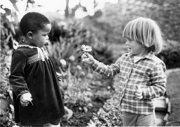 Happy International Day of Friendship! RT if u believe real friendship transcends borders, race, religion & gender http://t.co/LyPshlsJuQ