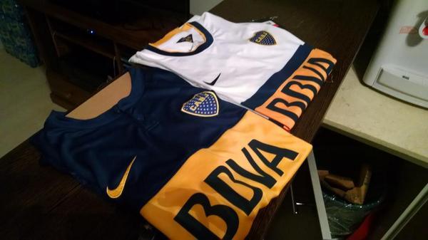 Para participar por la camiseta titular de @BocaJrsOficial hay que seguirme y hacer RT de este tuit! Suerte! http://t.co/BOM9Xumm02