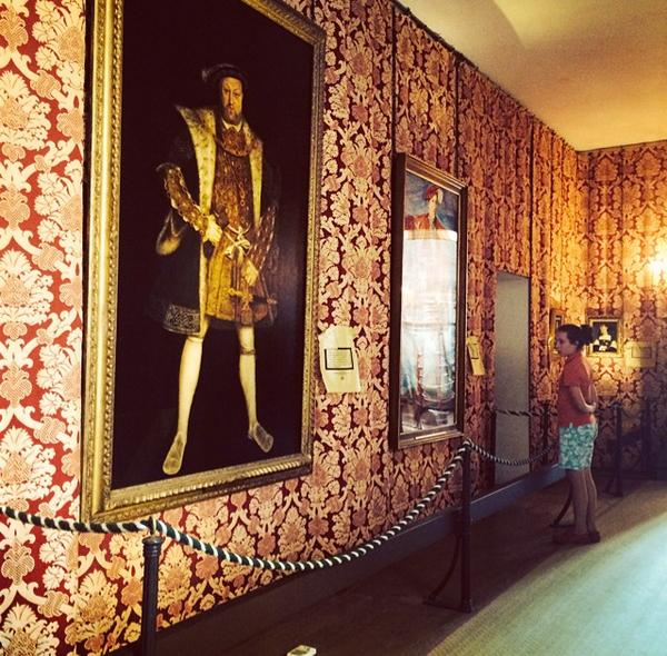 "At @KngHnryVIII's Hampton Court where you can take 18+ ""Salacious Gossip Tour"". The royal privy rules are very clear. http://t.co/mqKJabKv1P"