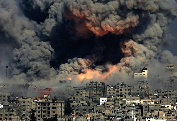 One of the most terrifying images I've ever seen. Hell on earth. (via EPA) #Gaza http://t.co/8vOJq9nx94