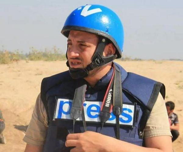 Rami Rayan, journalist, killed minutes ago in Al-Shejaia market. http://t.co/VYhQpFUEgE