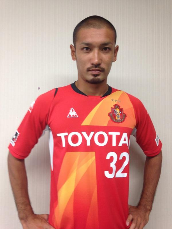 名古屋のユニフォームを着た川又選手。ギラついてます! #grampus #グランパス http://t.co/xttaVjBfZy